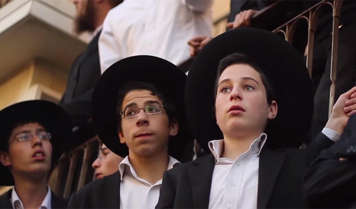 young-orthodox-kids-at-funeral-708x416